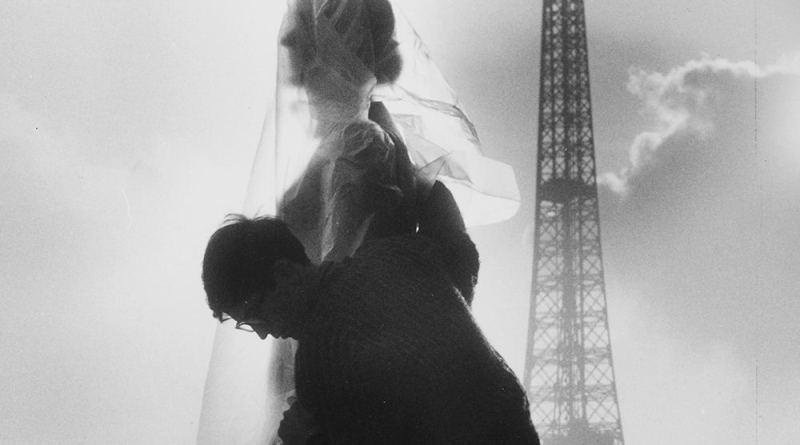 zoom de la photographie de l'empaquetage de la statue du Printemps par Christo