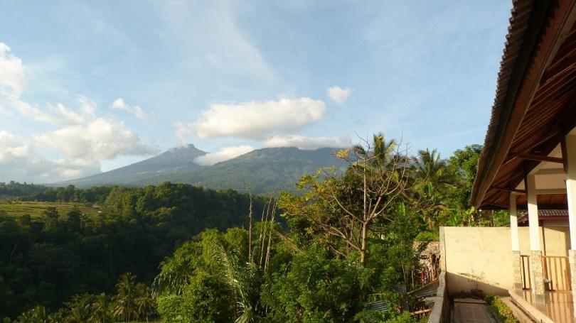 Le sommet du Rinjani trône sur Lombok