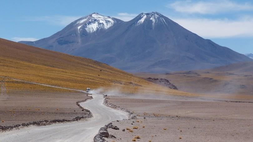 Volcans lagunas altiplanicas