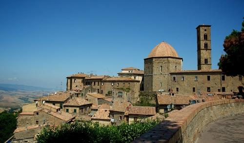 Cidade de Volterra e o Alabastro