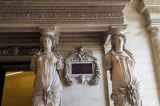 Sala das Cariátides, Museu do Louvre