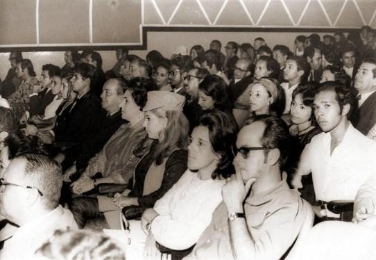 Cine São Luiz em, 1971, no lançamento do filme A Volta pela Estrada da Violência