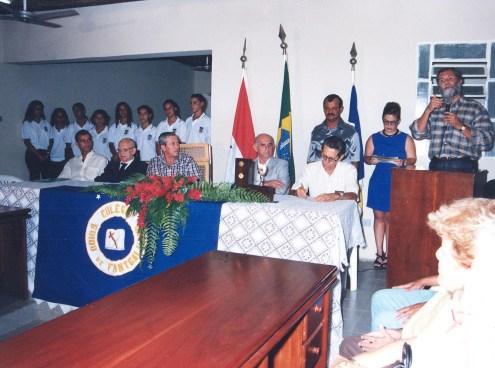 Recebendo homenagem de professores e ex-alunos do Colégio Guido de Fontgalland