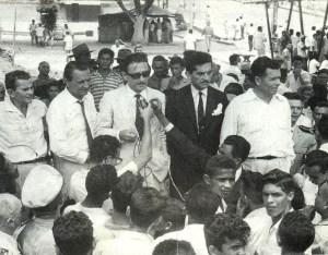 Teotônio Vilela, Sandoval Caju e Luiz Cavalcante em um comício na Praça dos Martírios.
