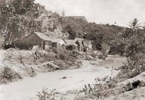 Vale do Reginaldo em 1924, após a tromba d'água. No alto da foto, o Seminário de Maceió