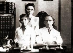 Jayme de Altavila, sua esposa Emília e seu filho Jayme Lustosa, em 1947