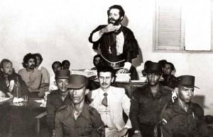 Tobias Granja no julgamento do Cabo Henrique. Foto de José Feitosa do acervo de Bartolomeu Dresh