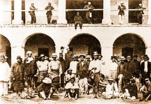Prisioneiros paraguaios fotografados durante a ocupação de Assunção, capital do país