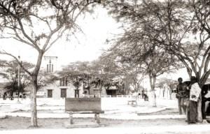 Inhapi e a Praça da Matriz em 1983. Foto acervo IBGE