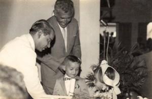 Robson Mendes e os netos com o ator Jofre Soares. Foto do acervo da família Mendes