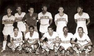 CSA bicampeão em 1956. Em pé: Neu, Orizon, Pirilo, Clóvis, Tadeu e Paulo Santos. Agachados: Italo, Bewilson, Davino, Oscarzinho e Cláudio.