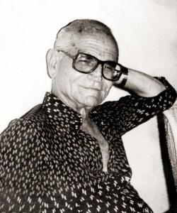 Escritor e poeta Carlos Moliterno