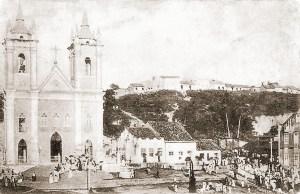 Igreja dos Martírios e uma procissão no início do século XX