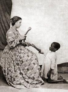 Criança negra castigada