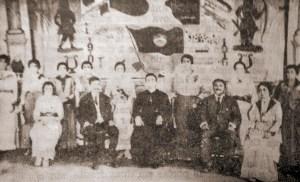 O Padre Soares Pinto com um grupo de teatro amador de Pão de Açúcar, em 1916. Fonte: Pão de Açúcar, história e efeméride, Aldemar de Mendonça