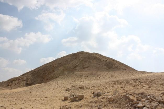 Estado actual de los restos de la pirámide del rey Teti, primero de la VI dinastía