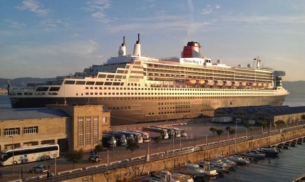 Imagen del Queen Mary 2 cuando estuvo atracado en Vigo