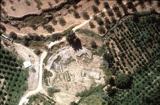 Vista aérea del santuario de Ártemis Ortia en la actualidad, centro de una de las extremas pruebas de la agogé