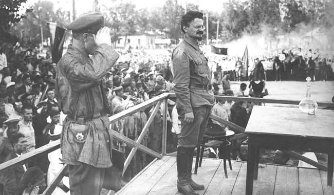 León Trotsky en Moscú en septiembre de 1919