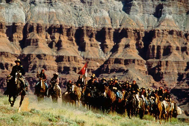 Fotograma de la película Gerónimo una leyenda americana