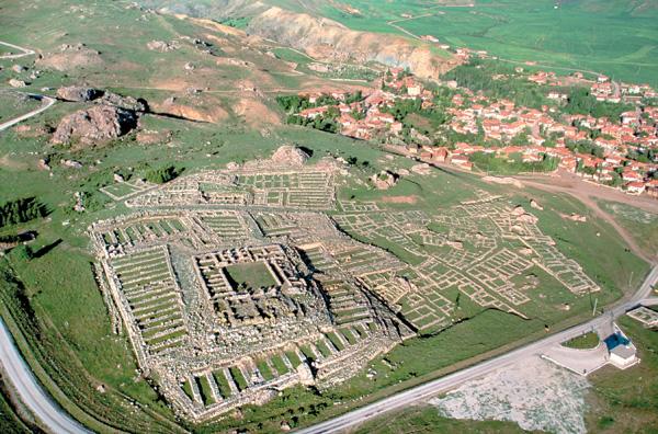 Estado actual del gran templo de Teshub, sede de la biblioteca de Hattusa