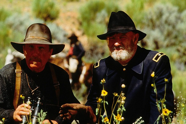 Los personajes de Robert Duvall y Gene Hackman en Gerónimo una leyenda americana