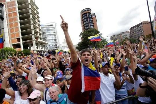 Venezuela në udhëkryq, miliona njerëz në demostrata për rrëzimin e diktaturës