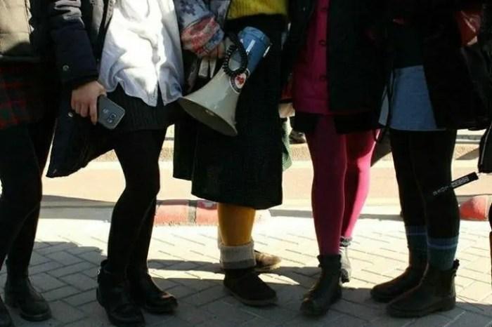 Protestat studentore/ Simbolika e fundeve të aktivisteve vajza një shuplakë ndaj seksizmit