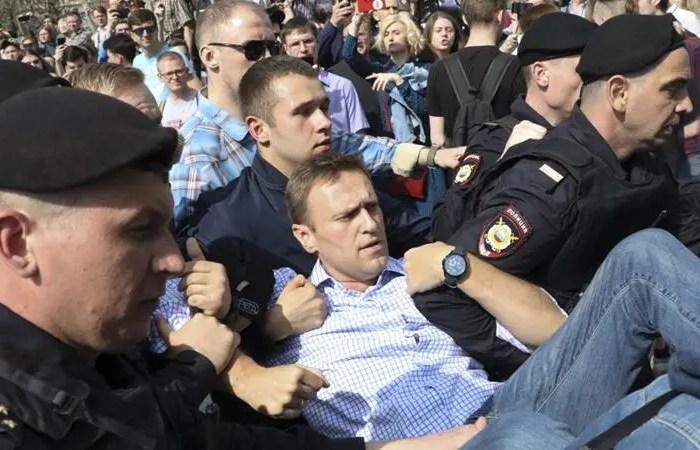 Burgoset sërish lideri i opozitës në Rusi, mbi 1400 protestues të arrestuar