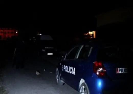 Rrënqethëse/ Drejtori i Policisë së Fushë Arrëzit ka përdhunuar një vajzë që shkoi për të denoncuar përdhunimin në shtëpinë e fëmijës!