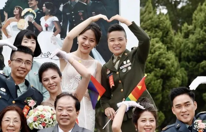 Ushtria e Tajvanit lejon çiftet e të njëjtit seks të martohen për herë të parë