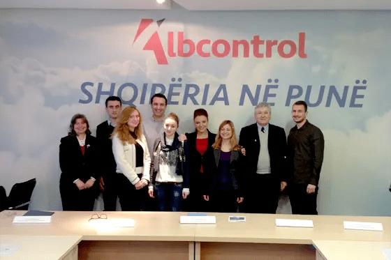 """Qeveria """"e majtë"""" në Shqipëri shtyp punëtorët me ushtri"""