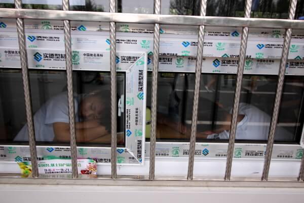 chinos-dormidos-1