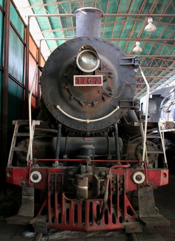 frente-locomotora-vapor-china-2