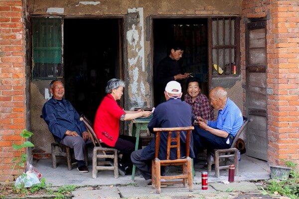 ancianos-mesa-dangyang-3