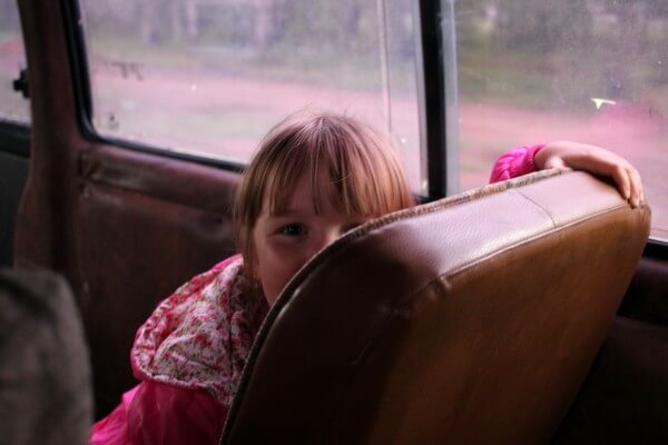 nina-rusa-autobus-1
