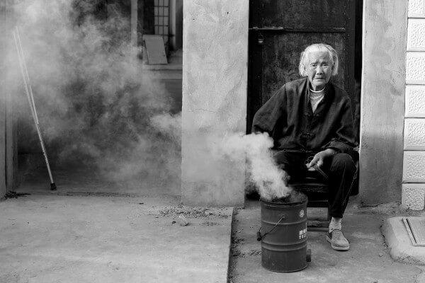 anciana-humo-1
