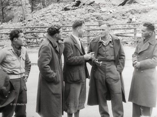München Mai 1945, Braunes Haus