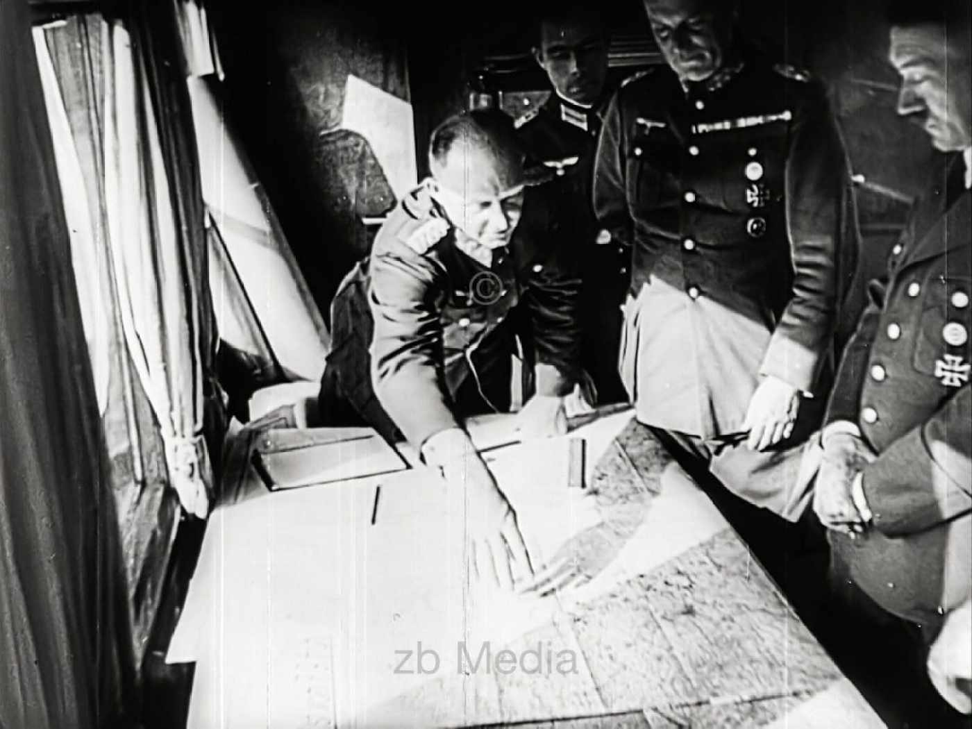 Hitler und Generäle bei Kriegsbeginn 1939
