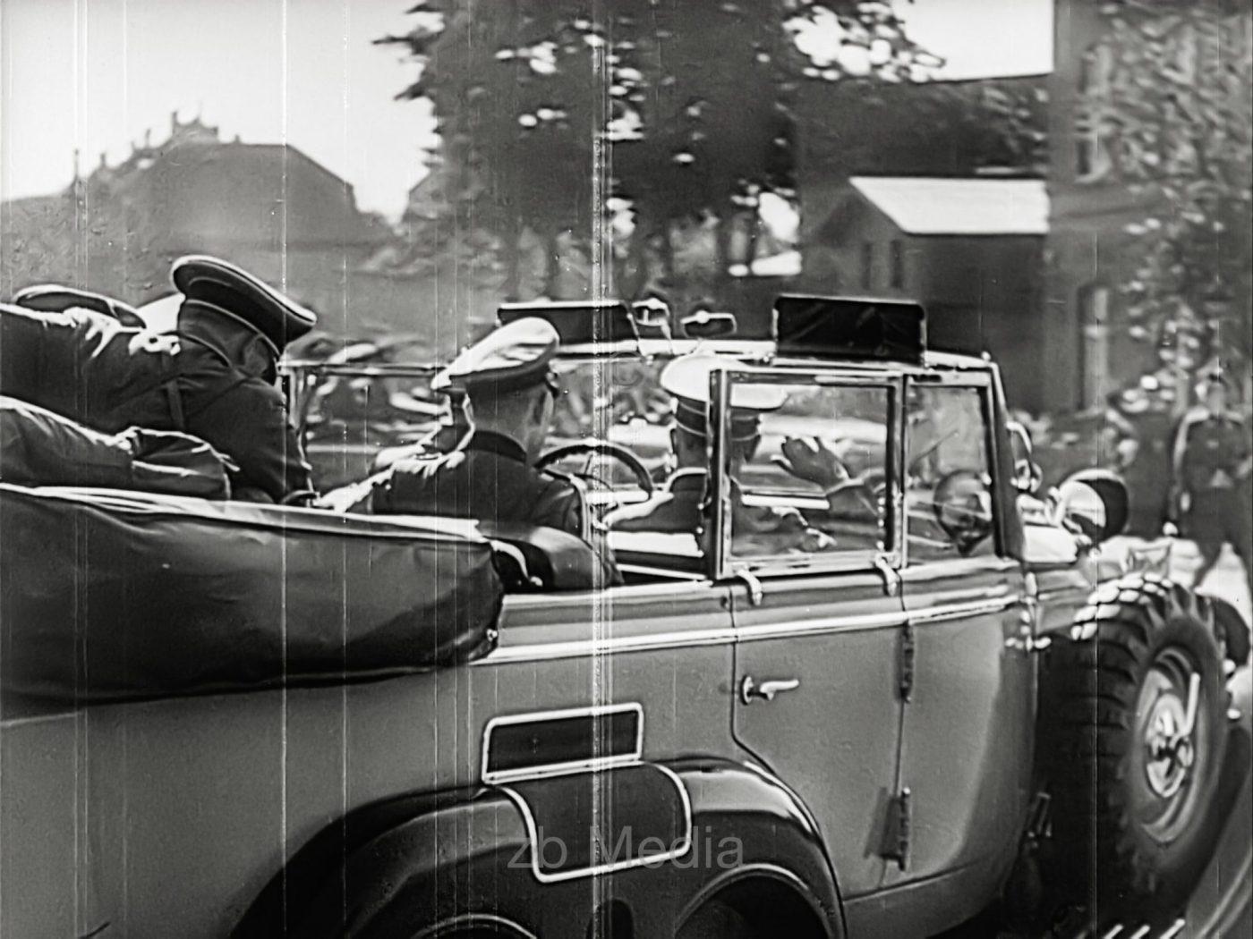 Hitler in Kommandeurswagen 1939