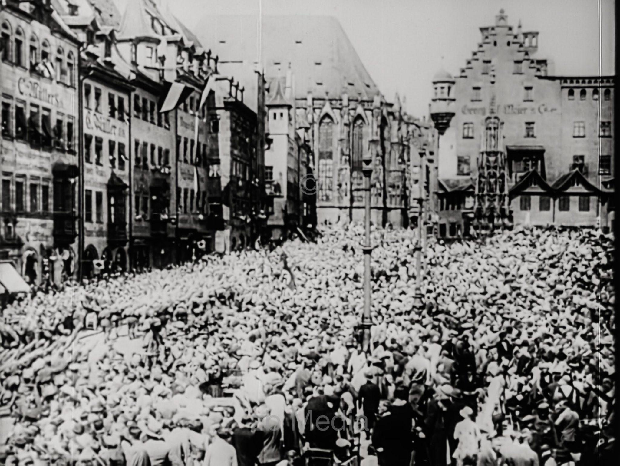 NSDAP Parteitag Nürnberg 1929, Menschenmenge am Hauptmarkt