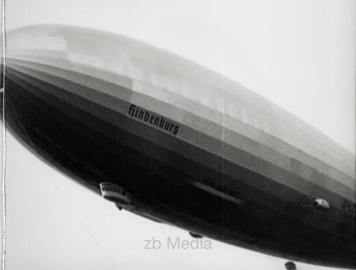 Luftschiff Hindenburg Anflug auf Lakehurst 1937
