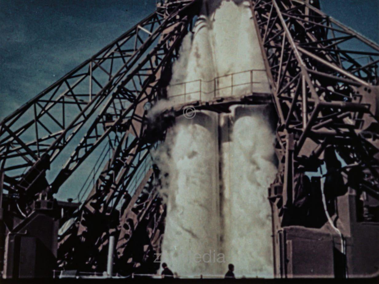 R7 Rakete vor dem Start
