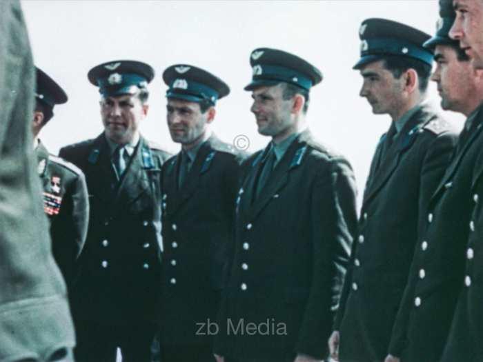 Sowjetische Kosmonatuen und Juri Gagarin