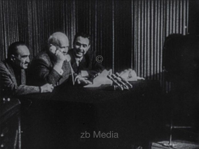 Chrustschow telefoniert mit Tereschkowa