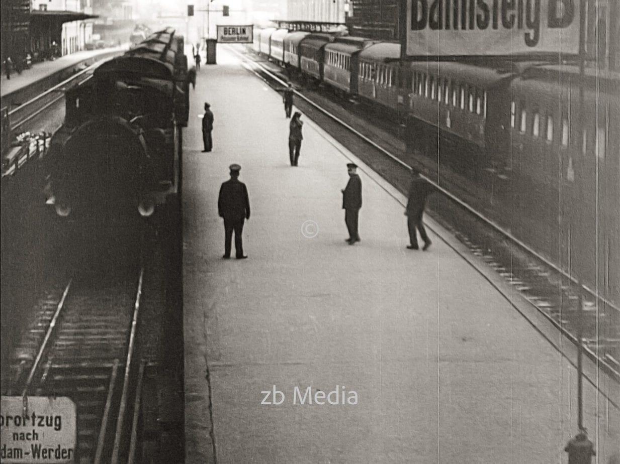 Bahnhof in Berlin 1930