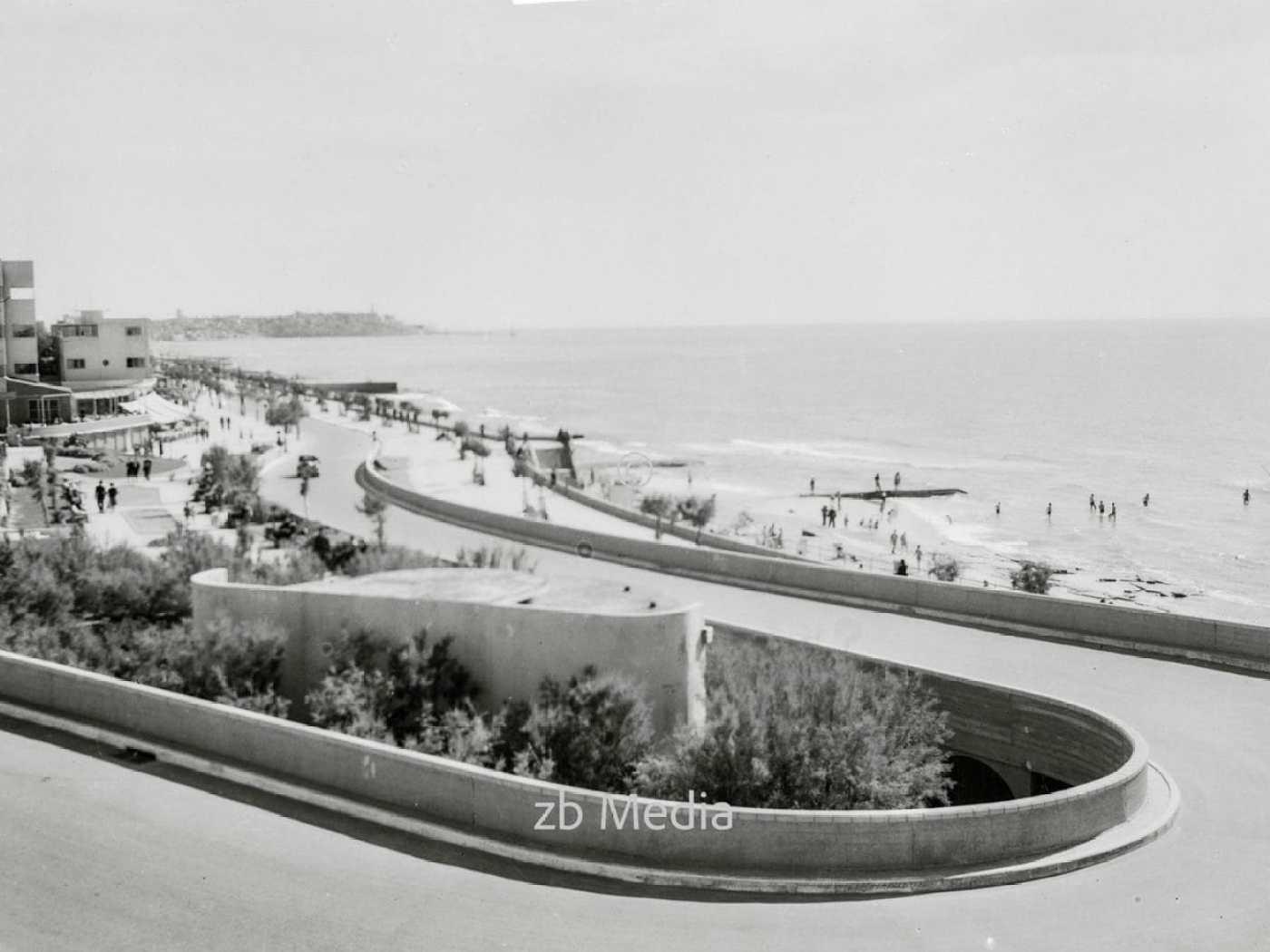Strandpromenade von Tel Aviv 1935