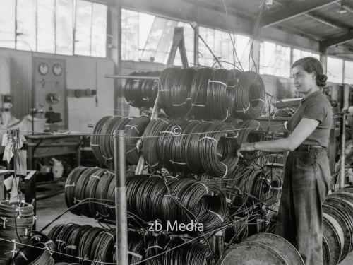 Jüdische Fabriken in Palästina. The Palestine Electric Cable Works 1935