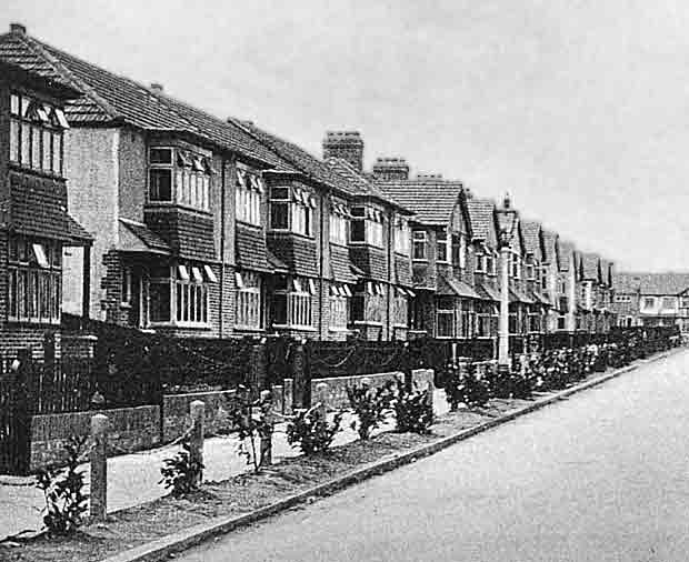 1930s Houses The Expansion Of The Suburbs Historic