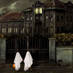 The Great Depression Origins of Halloween Haunted Houses - HISTORY